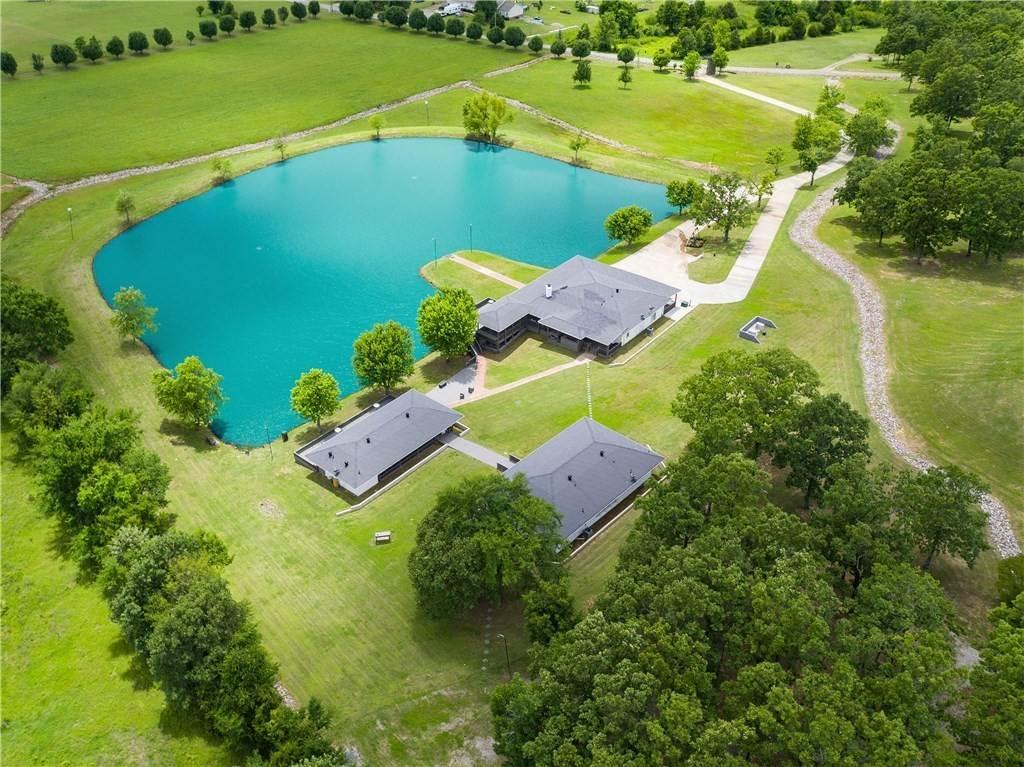 Single Family Homes for Sale at 3930 Sun Valley Estates Van Buren, Arkansas 72956 United States