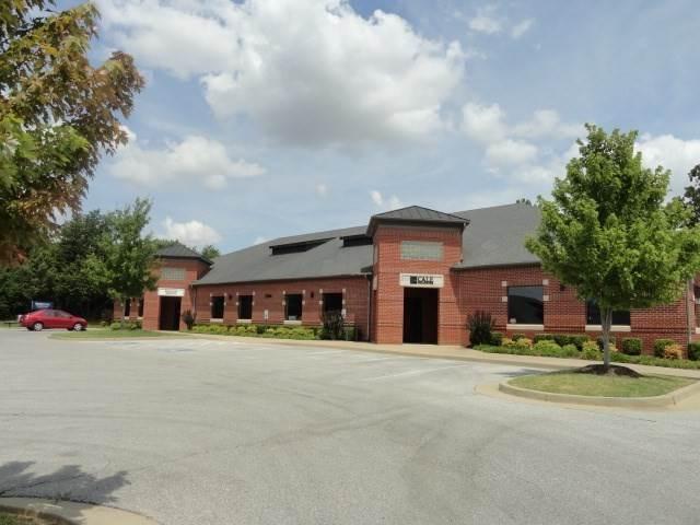 Commercial for Sale at 2566, 2580, 2594 E Joyce Boulevard Fayetteville, Arkansas 72703 United States