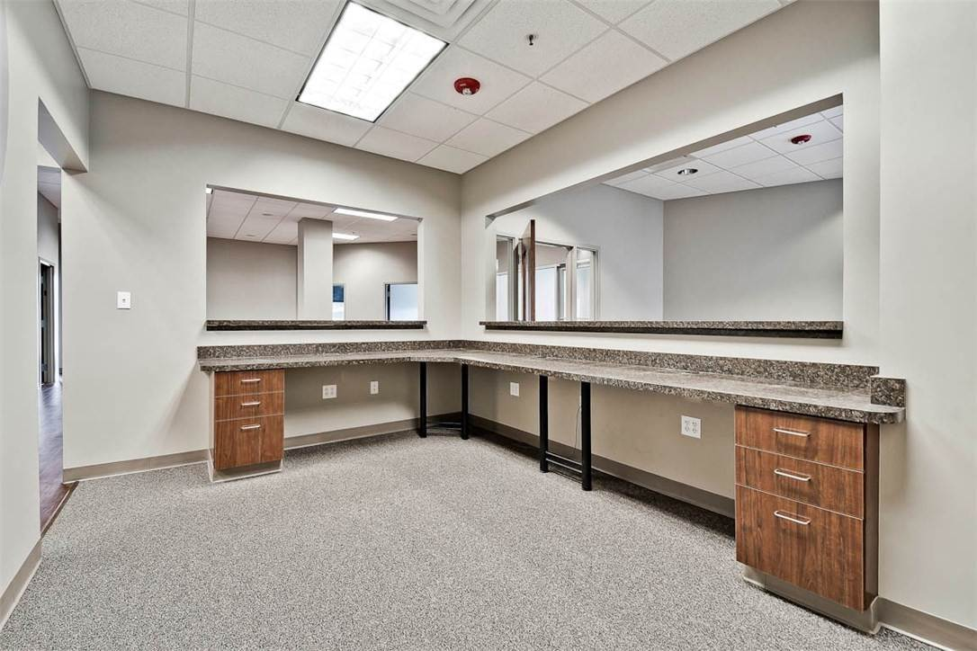 14. Commercial for Sale at 2000 S Promenade Boulevard Rogers, Arkansas 72758 United States
