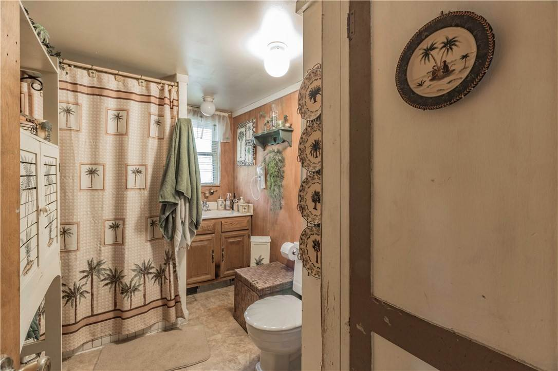 14. Single Family Homes for Sale at 956 W Cato Springs Road Fayetteville, Arkansas 72701 United States