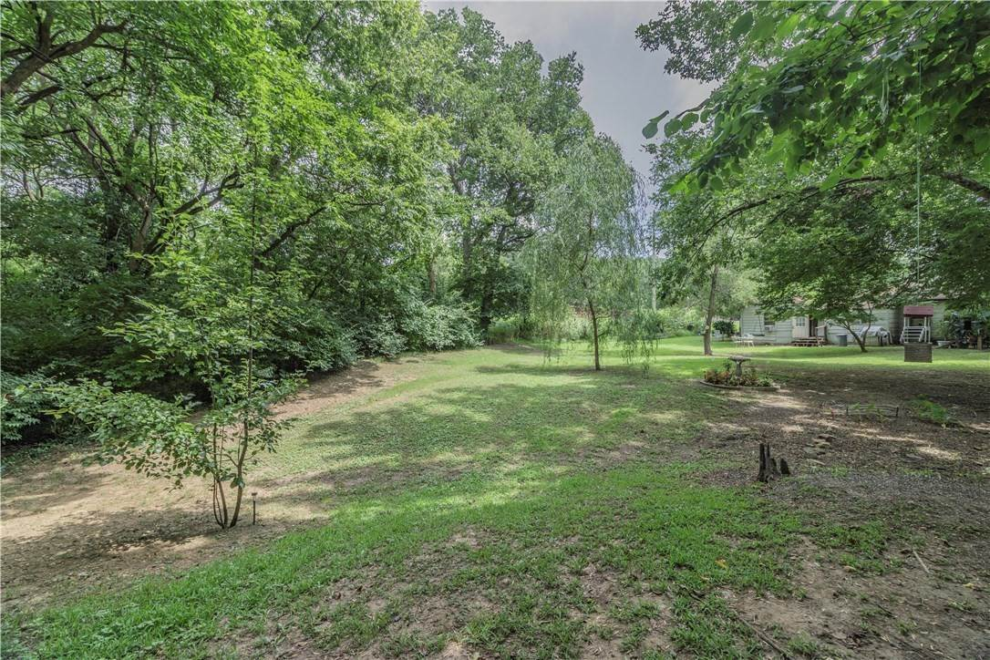 2. Single Family Homes for Sale at 956 W Cato Springs Road Fayetteville, Arkansas 72701 United States