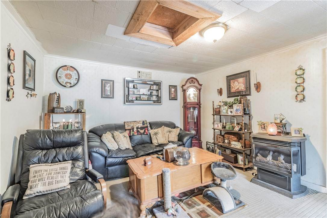 8. Single Family Homes for Sale at 956 W Cato Springs Road Fayetteville, Arkansas 72701 United States