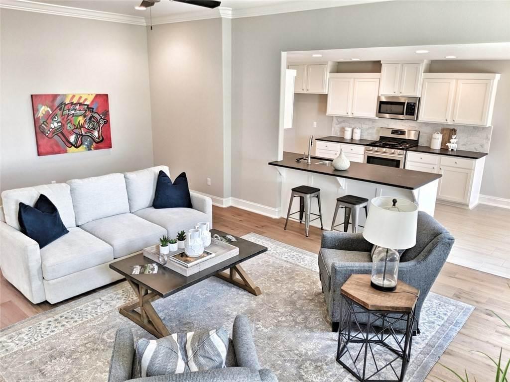 10. Single Family Homes for Sale at 454 N Yona Lane Farmington, Arkansas 72730 United States