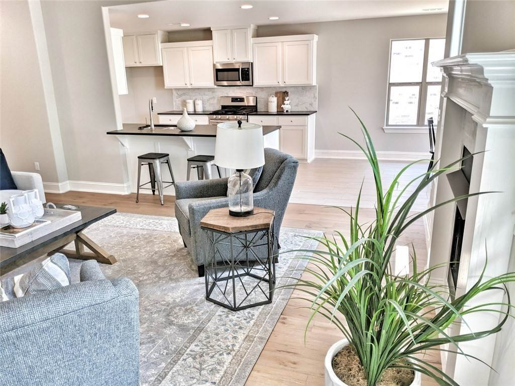 11. Single Family Homes for Sale at 454 N Yona Lane Farmington, Arkansas 72730 United States