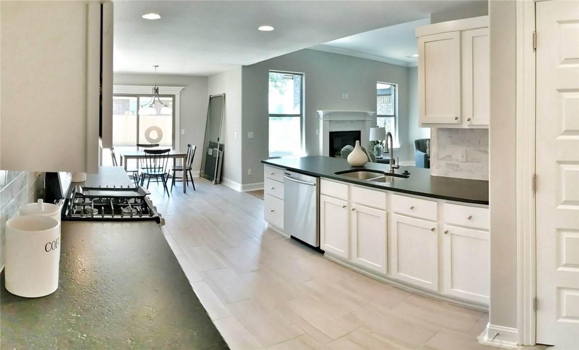 17. Single Family Homes for Sale at 454 N Yona Lane Farmington, Arkansas 72730 United States