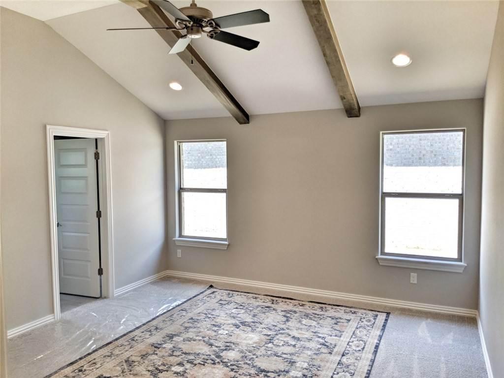 20. Single Family Homes for Sale at 454 N Yona Lane Farmington, Arkansas 72730 United States