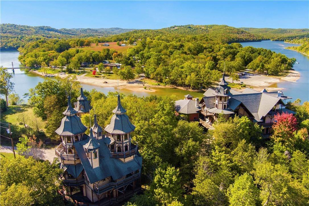 Single Family Homes for Sale at 2272 187 Highway Eureka Springs, Arkansas 72631 United States
