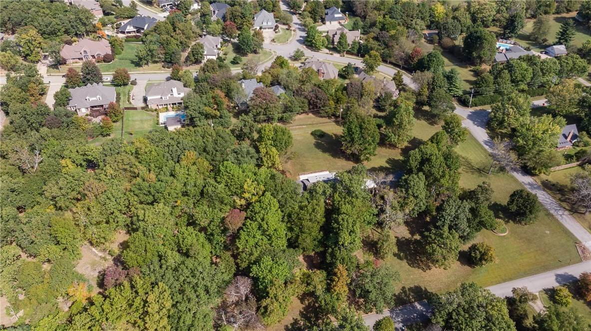 13. Single Family Homes for Sale at Lot 2 Manor Drive Fayetteville, Arkansas 72701 United States