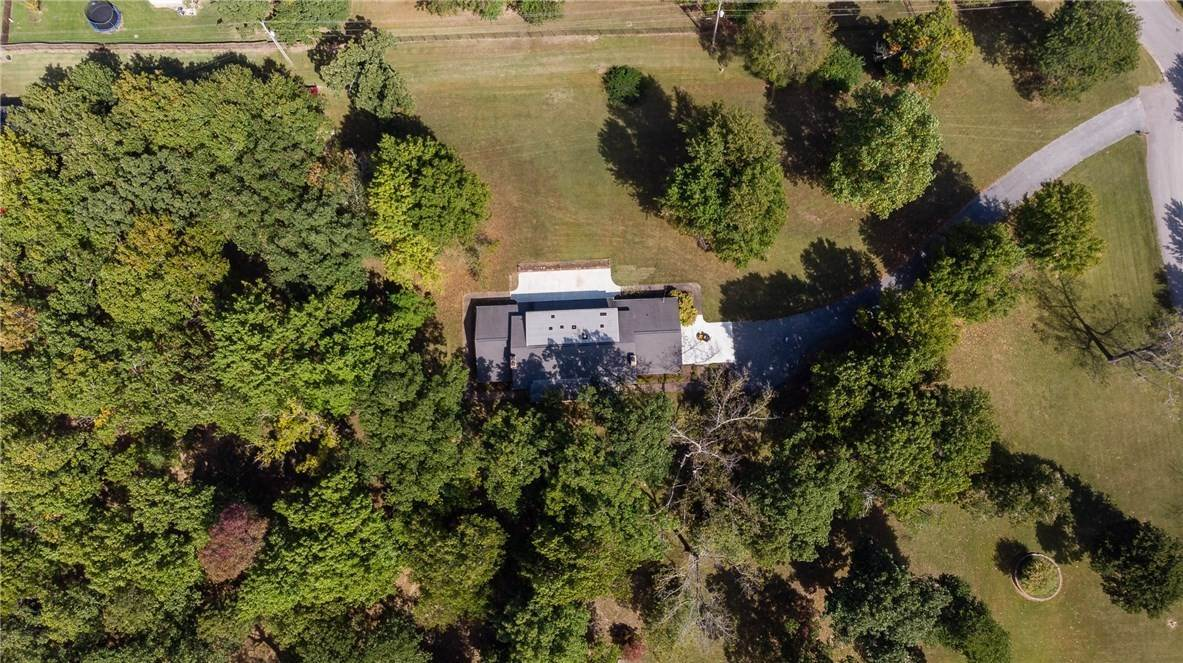 16. Single Family Homes for Sale at Lot 2 Manor Drive Fayetteville, Arkansas 72701 United States