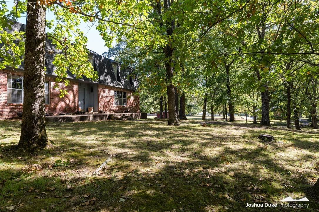 6. Single Family Homes for Sale at Lot 2 Manor Drive Fayetteville, Arkansas 72701 United States