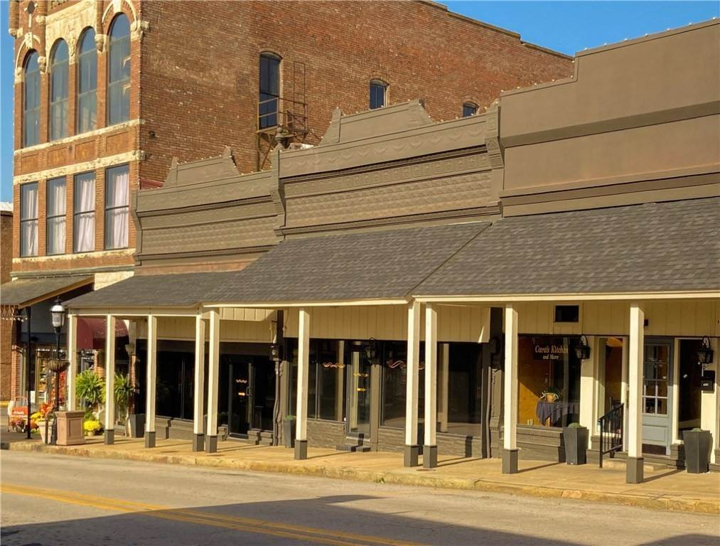 Commercial for Sale at 719 Main Street Van Buren, Arkansas 72956 United States
