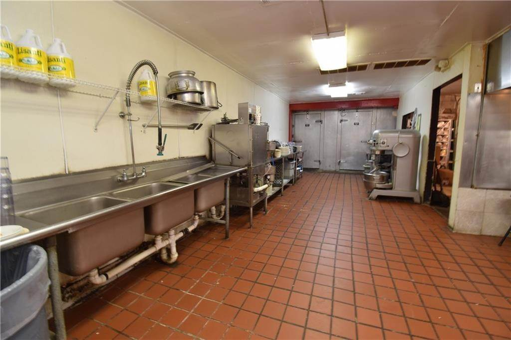 14. Commercial for Sale at 2001 Highway 412 Siloam Springs, Arkansas 72761 United States