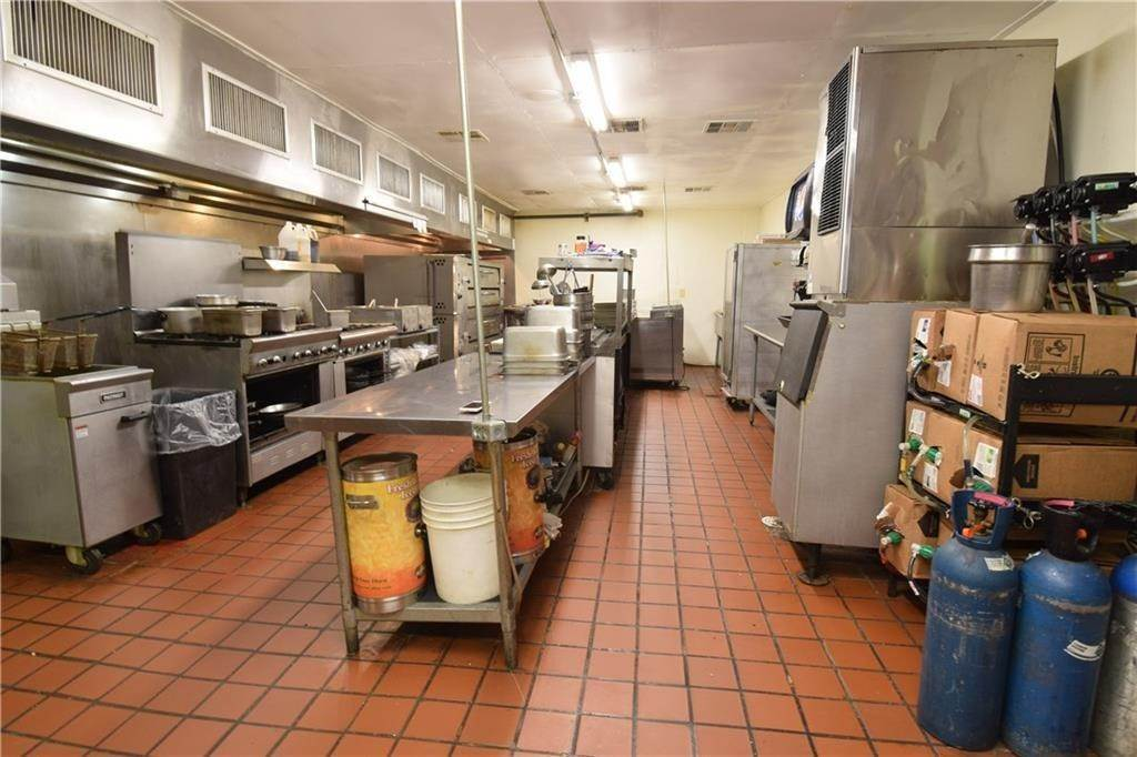 16. Commercial for Sale at 2001 Highway 412 Siloam Springs, Arkansas 72761 United States
