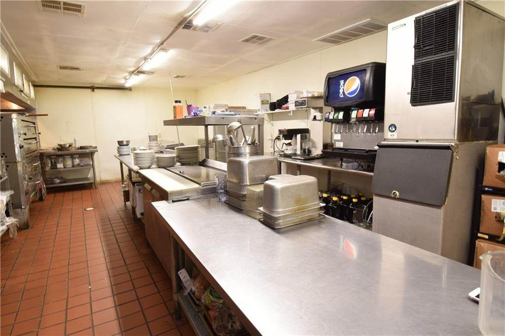 19. Commercial for Sale at 2001 Highway 412 Siloam Springs, Arkansas 72761 United States