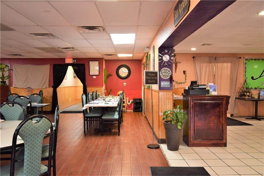2. Commercial for Sale at 2001 Highway 412 Siloam Springs, Arkansas 72761 United States