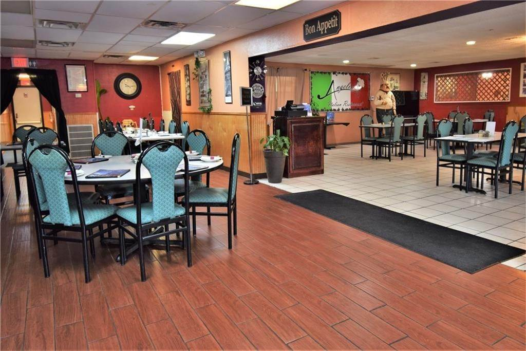 5. Commercial for Sale at 2001 Highway 412 Siloam Springs, Arkansas 72761 United States