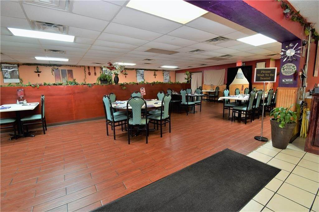 7. Commercial for Sale at 2001 Highway 412 Siloam Springs, Arkansas 72761 United States