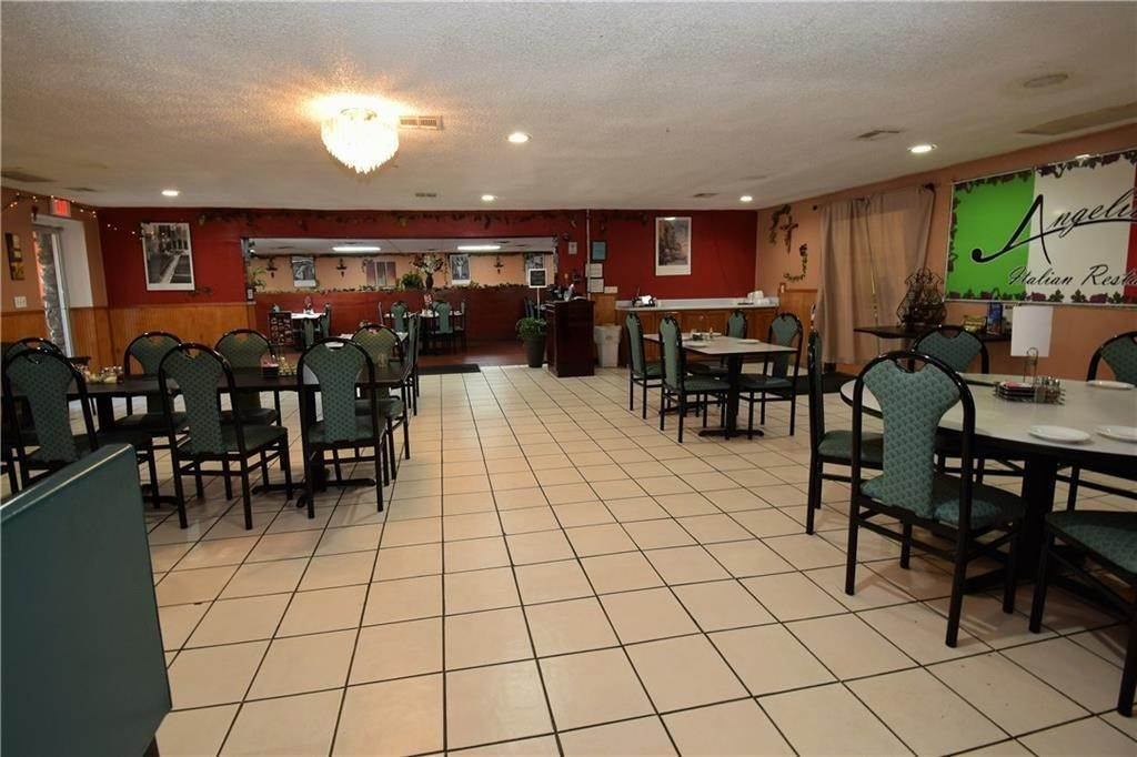9. Commercial for Sale at 2001 Highway 412 Siloam Springs, Arkansas 72761 United States