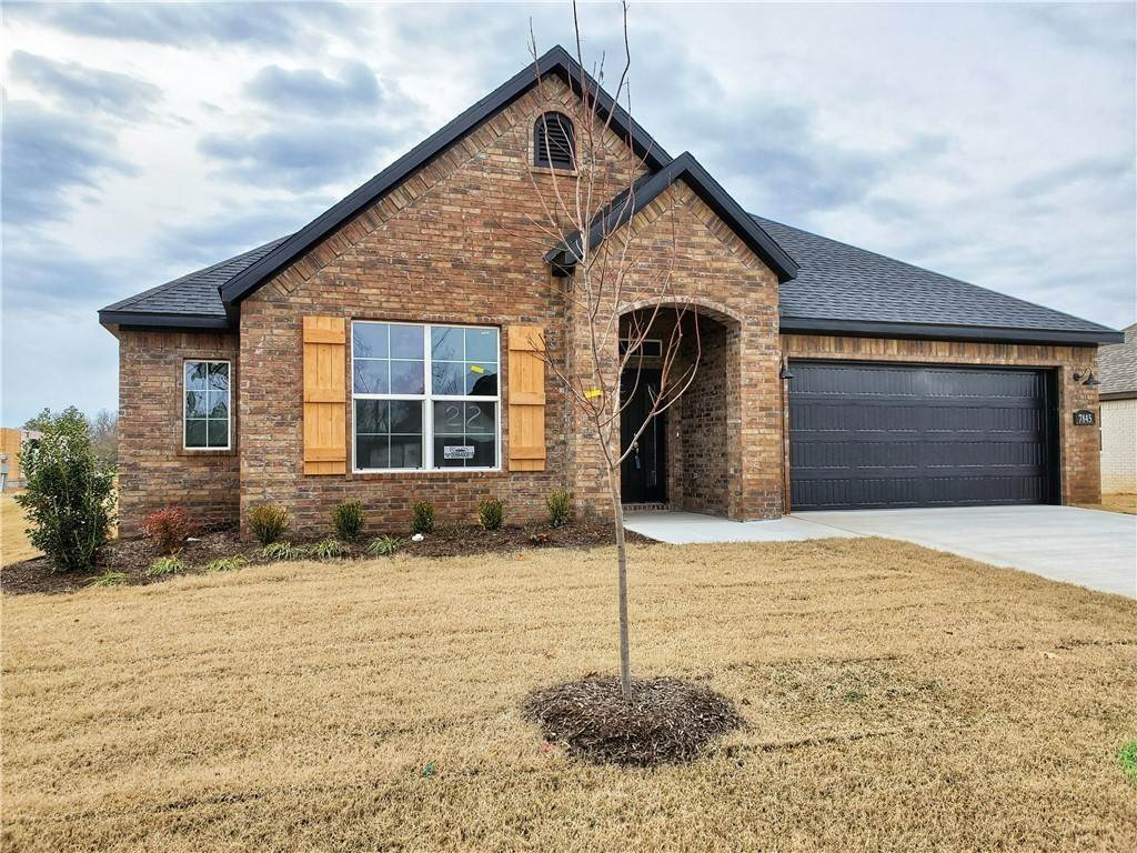 2. Single Family Homes for Sale at 2820 Carbon Road Fayetteville, Arkansas 72701 United States