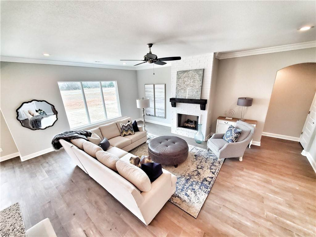9. Single Family Homes for Sale at 2820 Carbon Road Fayetteville, Arkansas 72701 United States