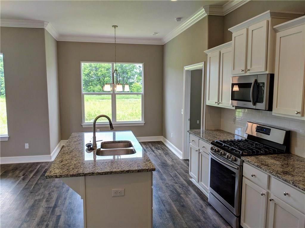 10. Single Family Homes for Sale at 495 Yona Lane Farmington, Arkansas 72730 United States