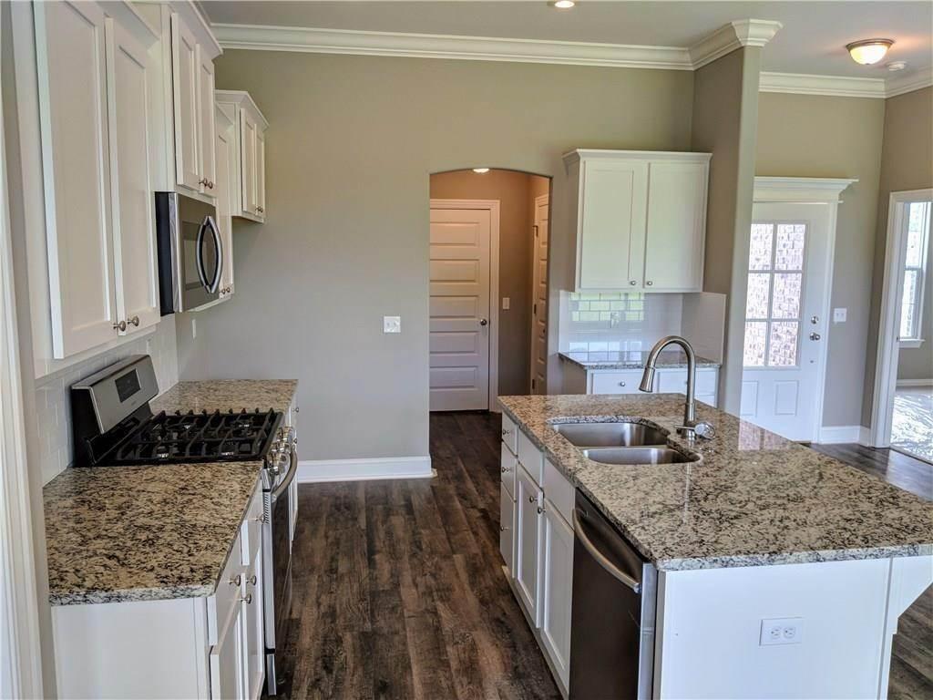 11. Single Family Homes for Sale at 495 Yona Lane Farmington, Arkansas 72730 United States