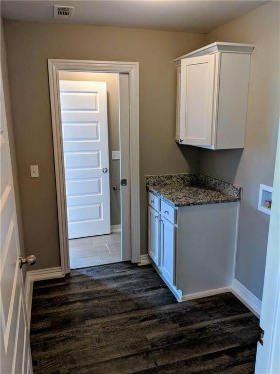14. Single Family Homes for Sale at 495 Yona Lane Farmington, Arkansas 72730 United States