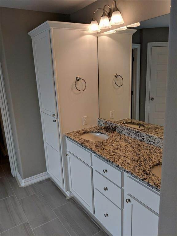 18. Single Family Homes for Sale at 495 Yona Lane Farmington, Arkansas 72730 United States
