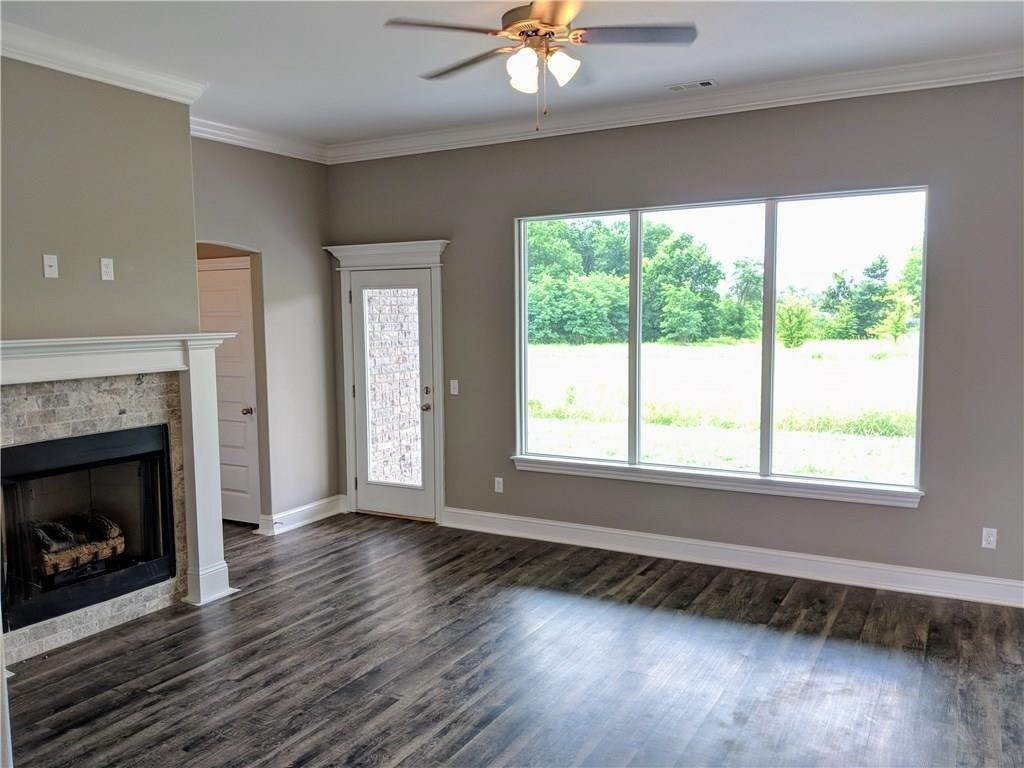 4. Single Family Homes for Sale at 495 Yona Lane Farmington, Arkansas 72730 United States