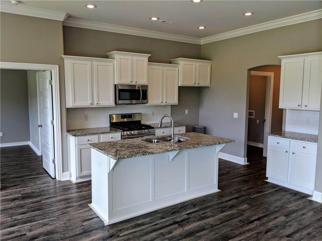 5. Single Family Homes for Sale at 495 Yona Lane Farmington, Arkansas 72730 United States