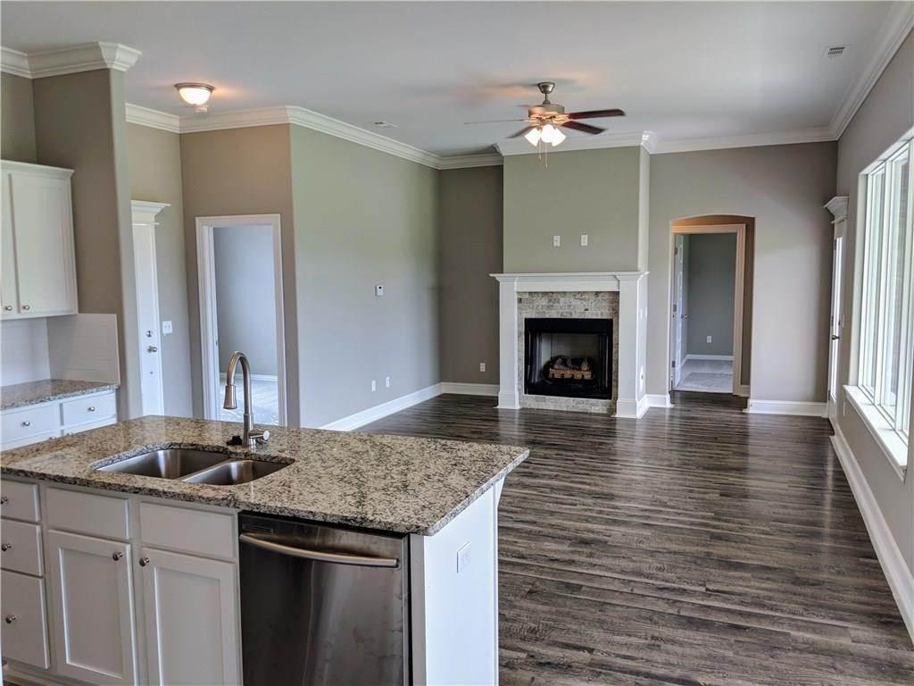 7. Single Family Homes for Sale at 495 Yona Lane Farmington, Arkansas 72730 United States