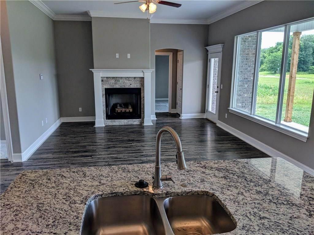 8. Single Family Homes for Sale at Lot 70 Goose Creek Farmington, Arkansas 72730 United States