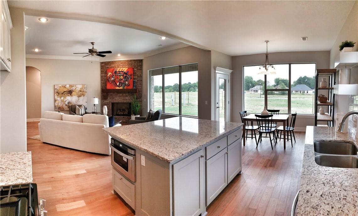12. Single Family Homes for Sale at Lot 15 Goose Creek Village Farmington, Arkansas 72730 United States