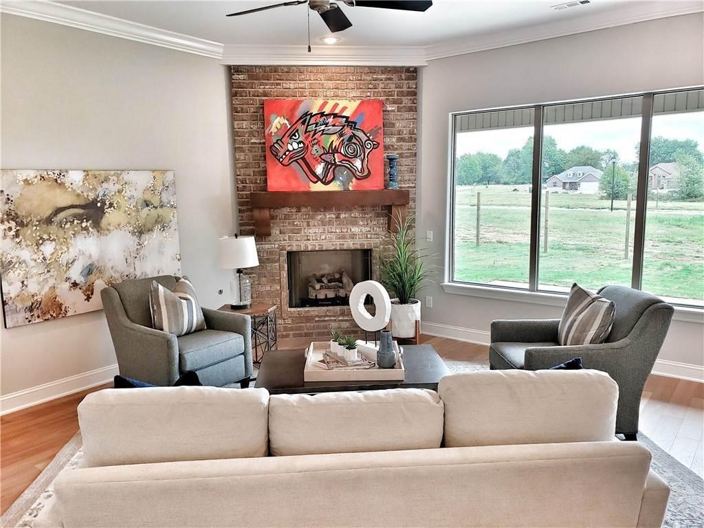 15. Single Family Homes for Sale at Lot 15 Goose Creek Village Farmington, Arkansas 72730 United States