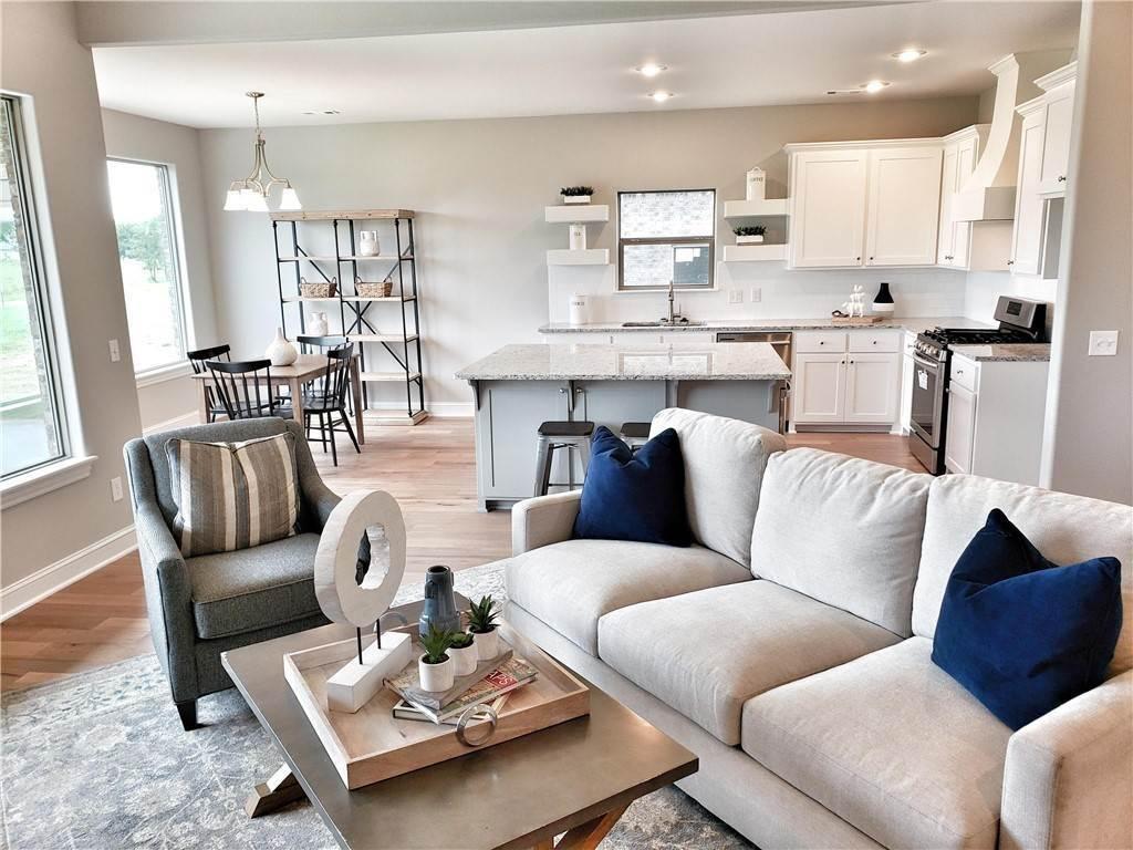 16. Single Family Homes for Sale at Lot 15 Goose Creek Village Farmington, Arkansas 72730 United States
