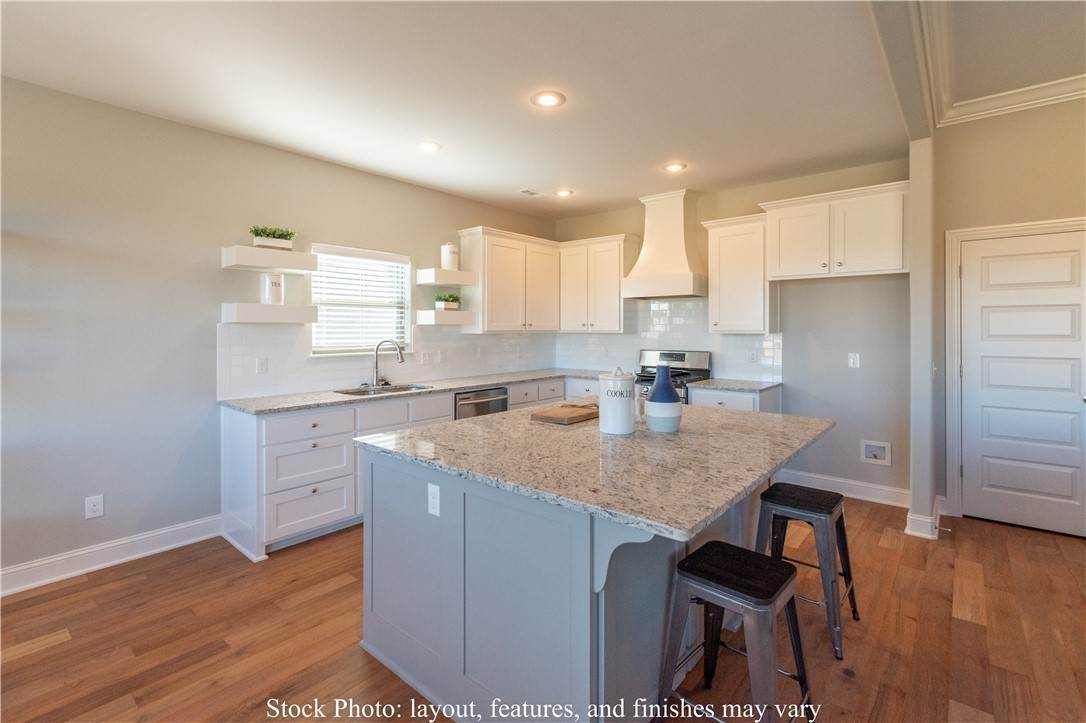 20. Single Family Homes for Sale at Lot 15 Goose Creek Village Farmington, Arkansas 72730 United States