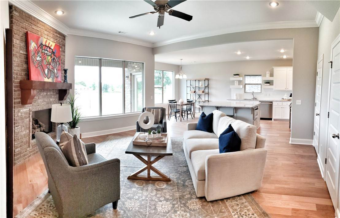 4. Single Family Homes for Sale at Lot 15 Goose Creek Village Farmington, Arkansas 72730 United States