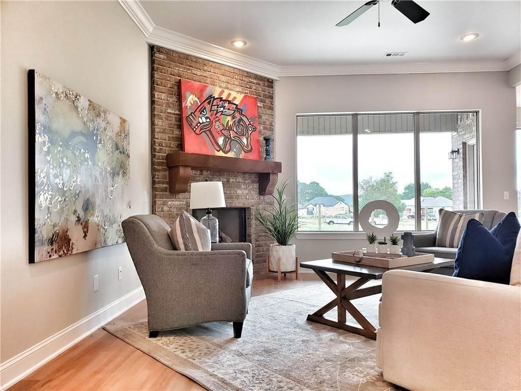 5. Single Family Homes for Sale at Lot 15 Goose Creek Village Farmington, Arkansas 72730 United States