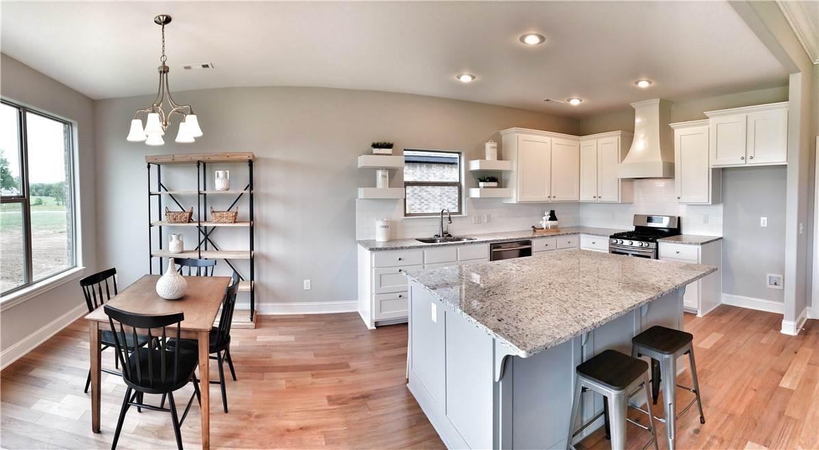 7. Single Family Homes for Sale at Lot 15 Goose Creek Village Farmington, Arkansas 72730 United States
