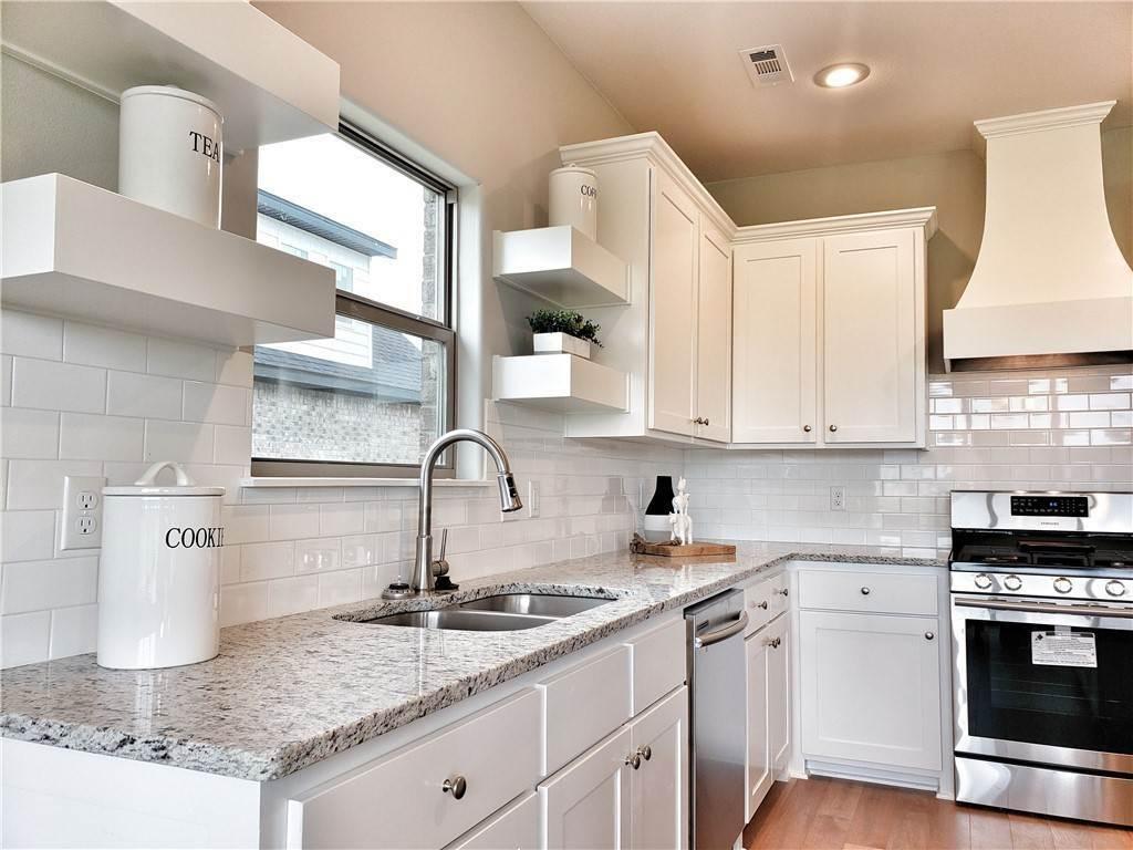 9. Single Family Homes for Sale at Lot 15 Goose Creek Village Farmington, Arkansas 72730 United States