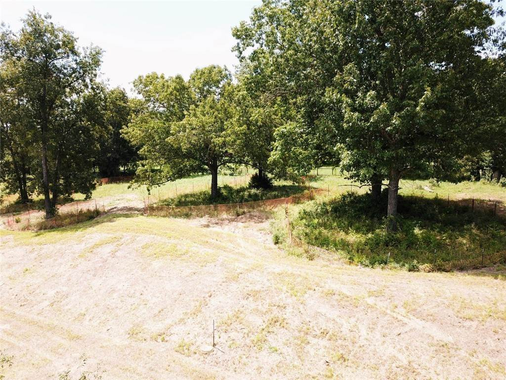 3. Single Family Homes for Sale at 2250 E Absolute Street Fayetteville, Arkansas 72701 United States