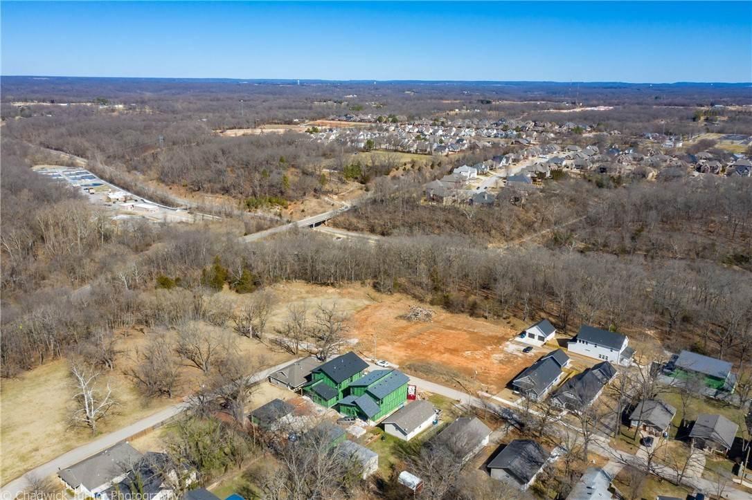 8. Single Family Homes for Sale at 1217 NE Fillmore Street Bentonville, Arkansas 72712 United States