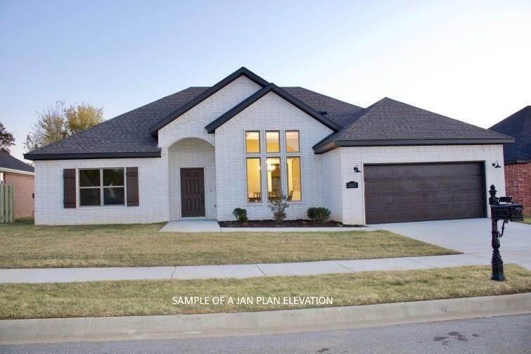 Single Family Homes for Sale at 804 W Jillian Street Siloam Springs, Arkansas 72761 United States