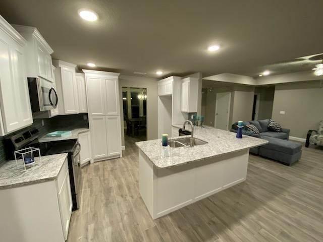 4. Single Family Homes for Sale at 804 W Jillian Street Siloam Springs, Arkansas 72761 United States