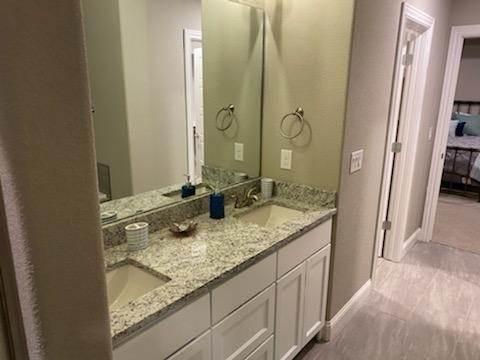 9. Single Family Homes for Sale at 804 W Jillian Street Siloam Springs, Arkansas 72761 United States