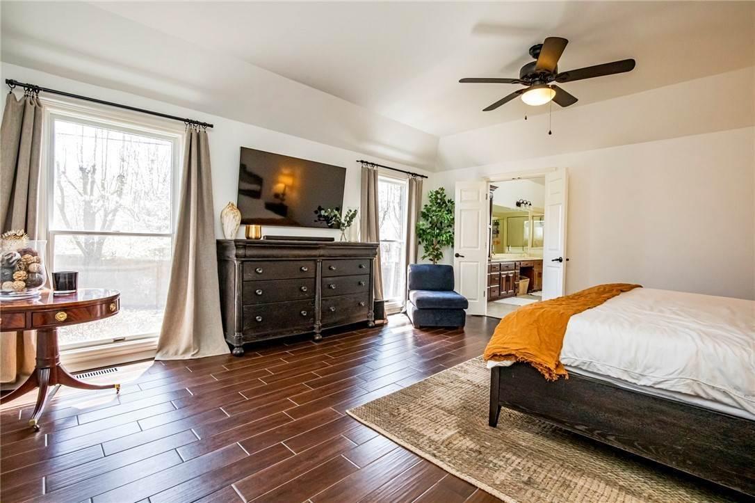 10. Single Family Homes for Sale at 1801 El Contento Circle Bentonville, Arkansas 72712 United States