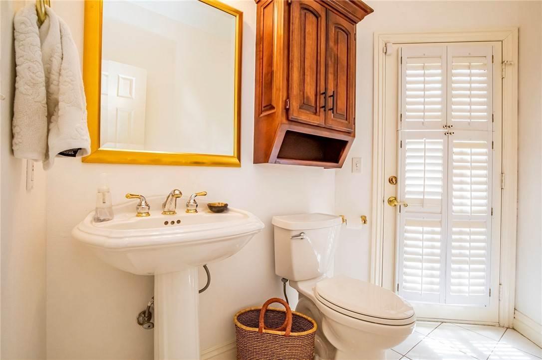 14. Single Family Homes for Sale at 1801 El Contento Circle Bentonville, Arkansas 72712 United States