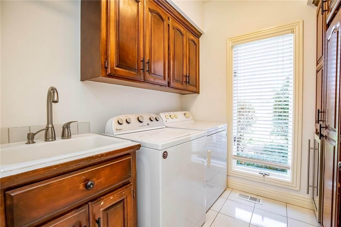 15. Single Family Homes for Sale at 1801 El Contento Circle Bentonville, Arkansas 72712 United States