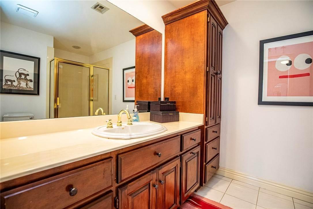 19. Single Family Homes for Sale at 1801 El Contento Circle Bentonville, Arkansas 72712 United States