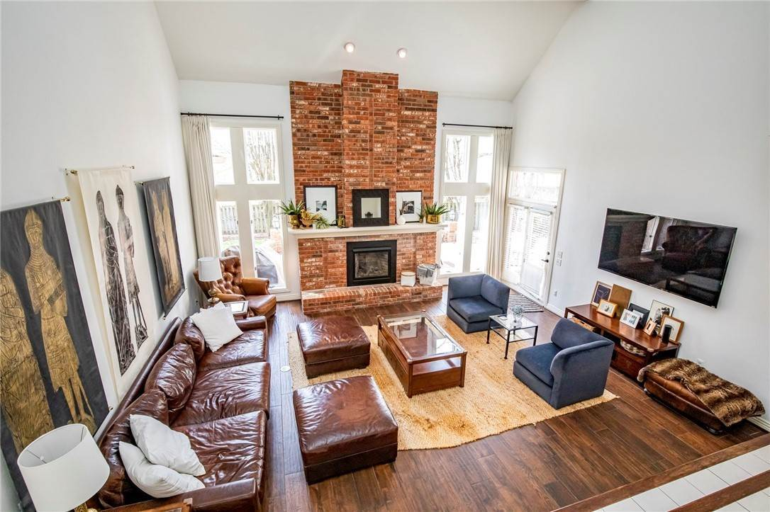 3. Single Family Homes for Sale at 1801 El Contento Circle Bentonville, Arkansas 72712 United States